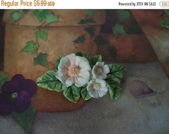 ON SALE Vintage Floral Plastic Pin 1369