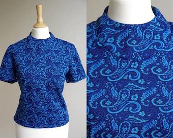 1970s Blue Paisley Short Sleeved Top * Size Small - Medium