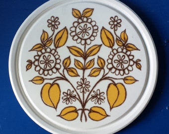 Herbolzheim 317 30P 343: sixties/seventies cake plate, sparkling design, flowery yellow