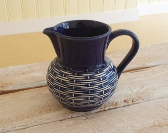 Bunzlau blue cocoa pitcher / jug, 1950s/60s, beehive-chair decoration
