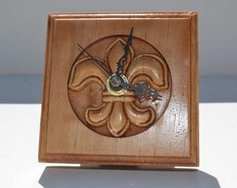 Fleur-De-Lis Rosette Clock