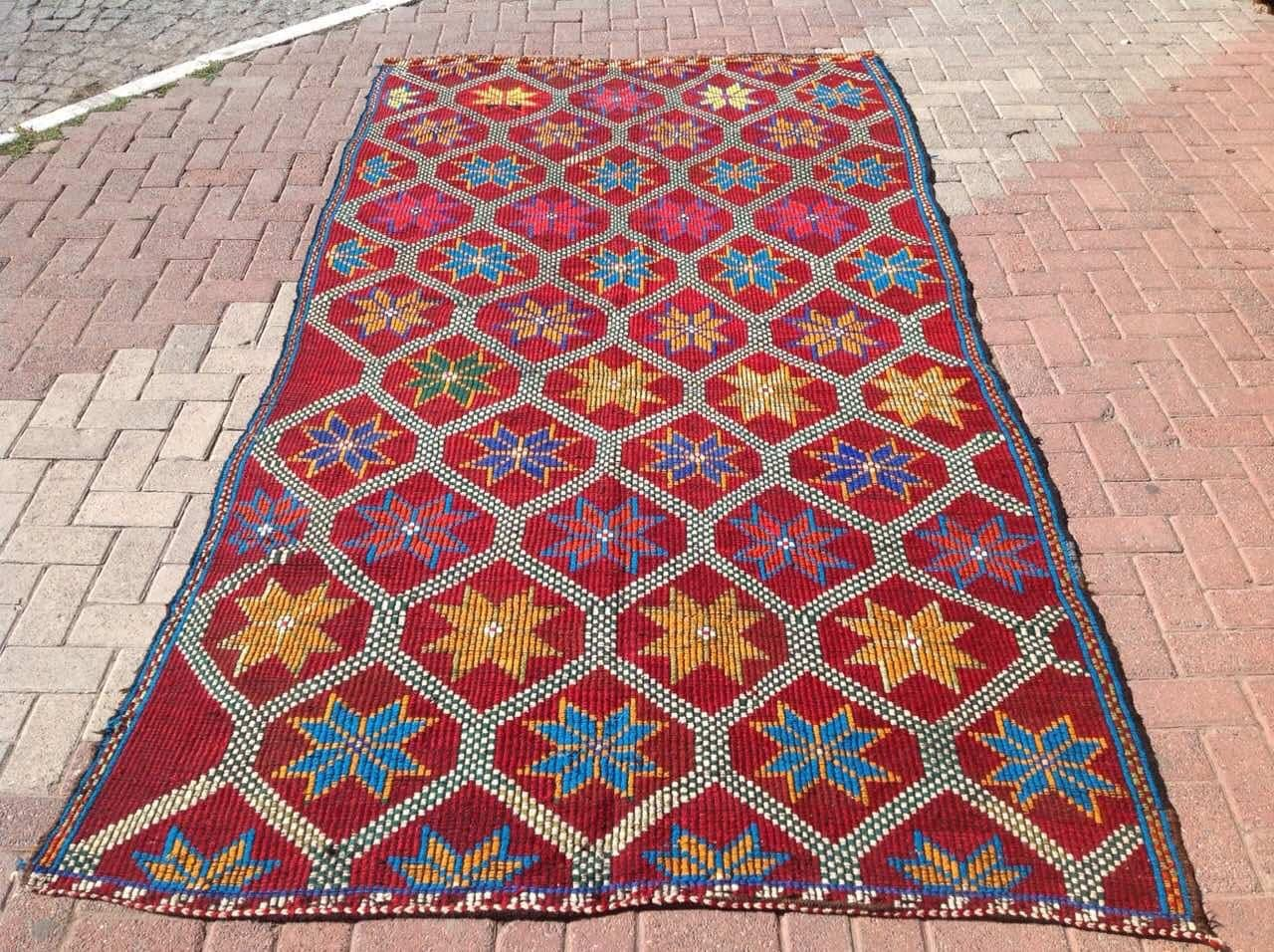 Flower design kilim rug bright colors vintage bright turkish for Bright floral area rugs