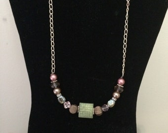Classic green & pink necklace