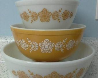 Vintage Pyrex Butterfly Gold Nesting Bowls Set of 4