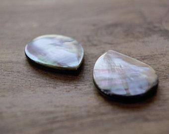 teardrop shell bead, teardrop bead, teardrop shell, flat teardrop, shell bead, grey shell or blacklip shell teardrop shape beads 30x24mm