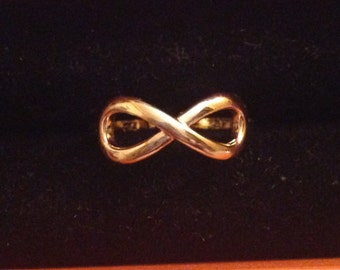 Sterling silver infinity rings gold tone. Size 5