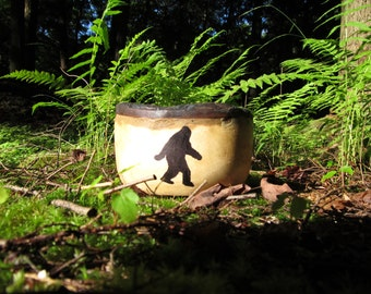 Small Bigfoot Bowl with burned edges
