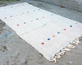 """4'0"""" x 7'11"""" Vintage Handwoven Turkish Hemp Kilim Rug. Decorative Area Rug."""