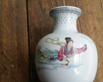 Oriental vase hand painted Chinese