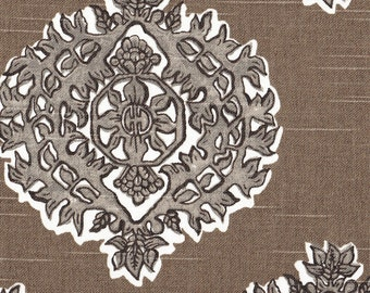 Round Tablecloth Madras Bisque Gray & Taupe Medallion