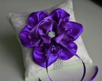 Purple Ring Bearer Pillow \ Lace Wedding Pillow \ Purple Wedding Bearer \ Orchid Ring Holder \ Wedding Ring Bearer \ Ivory Purple Bearer