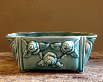 Blue/ green/ turquoise Brush Pottery/McCoy Pottery planter USA 401