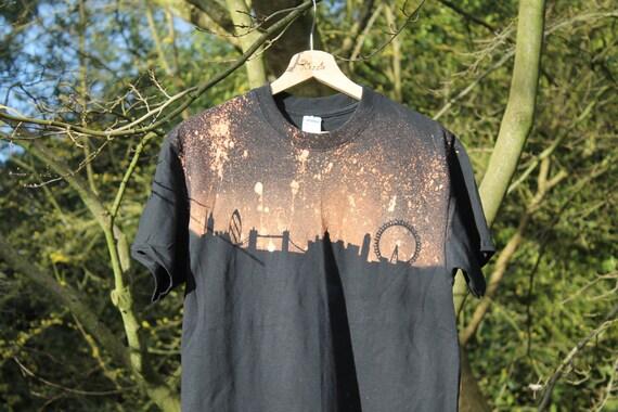 90's T-Shirt Grunge London Skyine T-Shirt Adult Unisex