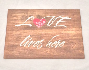Love Lives Here - Wall Hanging