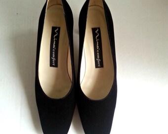 Velvet Shoes,Retro shoes, black shoes,60s shoes,midcentury fashion,Nina Comfort shoes
