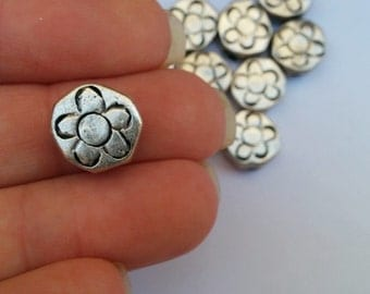 Antique Silver Round Flower Beads// Bohemian Jewelry Supplies// 11mm// 10 pieces