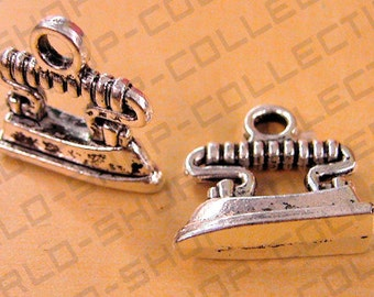 Iron Pendants/Charm Alloy Gold/Silver/Antique Green, Size 20mm