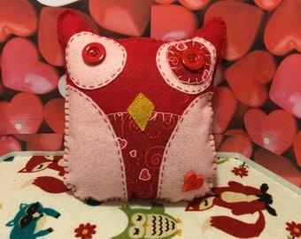 Red Valentine Owl