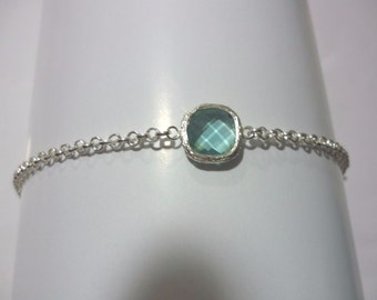 Chain bracelet with blue swarovski cristal