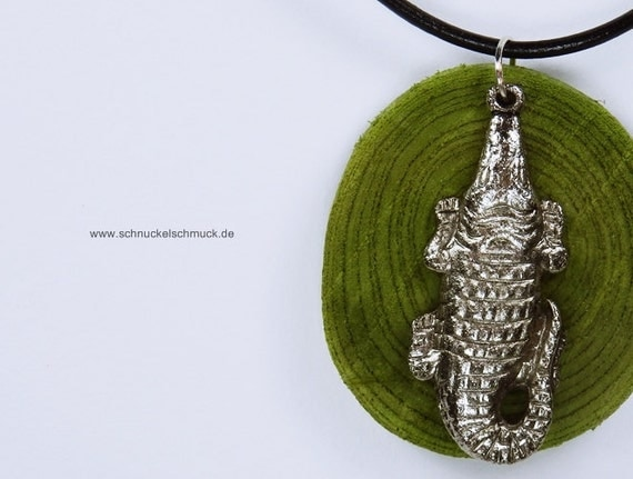 Necklace Crocodile-alligator in green olive wood with silver crocodile on black leather strap jewelry reptile Green
