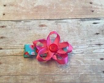 Pink bow hair clip, alligator clip, non slip grip