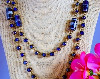 Necklace, vintage necklace, 1950s necklace, bead necklace, blue bead necklace, wire necklace