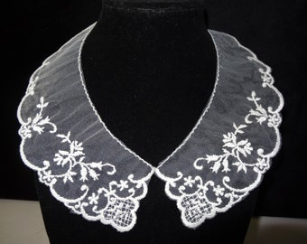 Venise Lace and Tulle Collar
