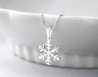 Sterling Silver Snowflake Necklace, Christmas Necklace, Winter Wedding Bridesmaid Necklace, Sterling Silver Snowflake Necklace