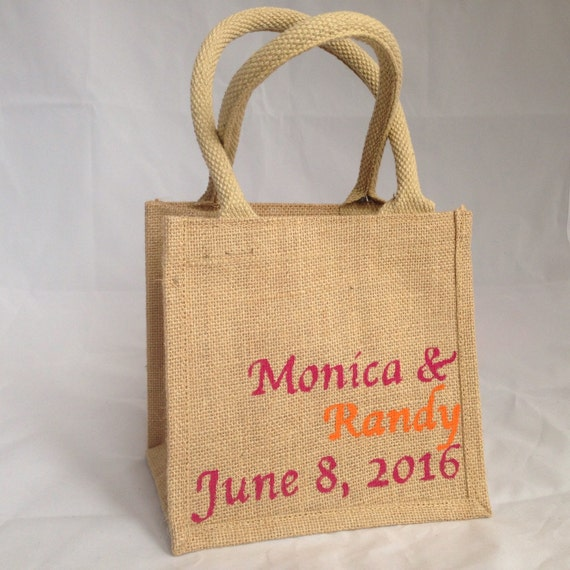 Destination wedding personalised gift bags by destinationjute for Destination wedding gift bags