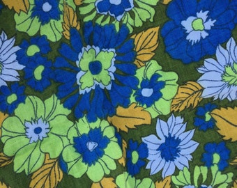 SALE Bold and bright Sixties mod flower power fabric/napkin