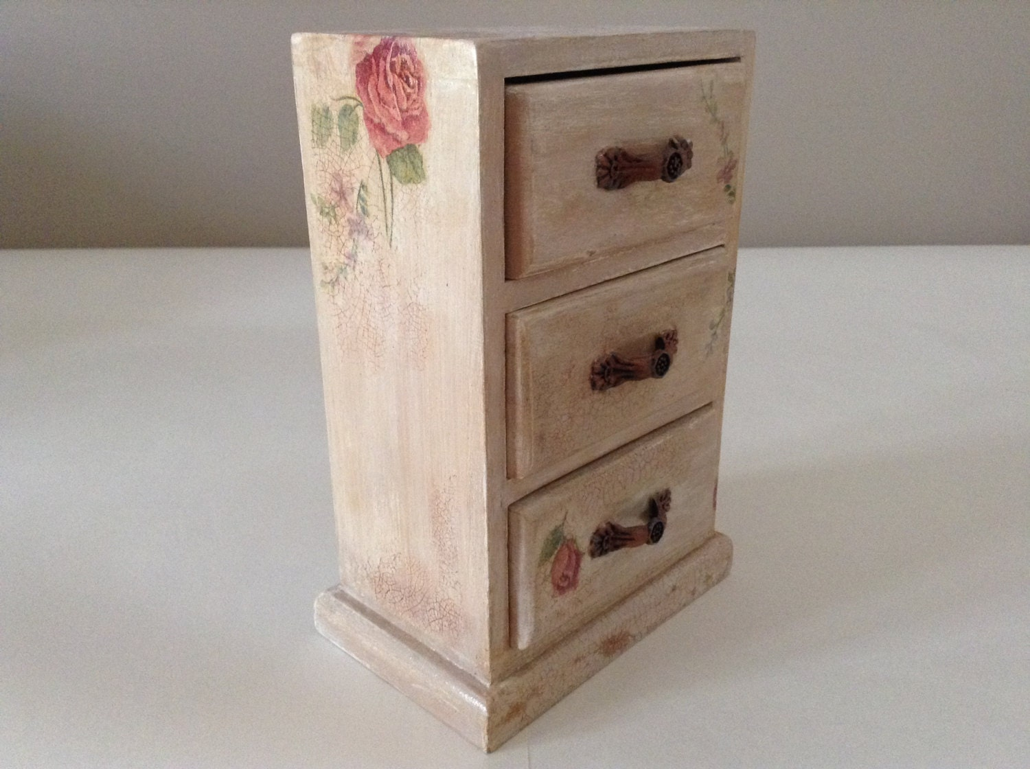 Mini jewelry chest of drawers tender rose