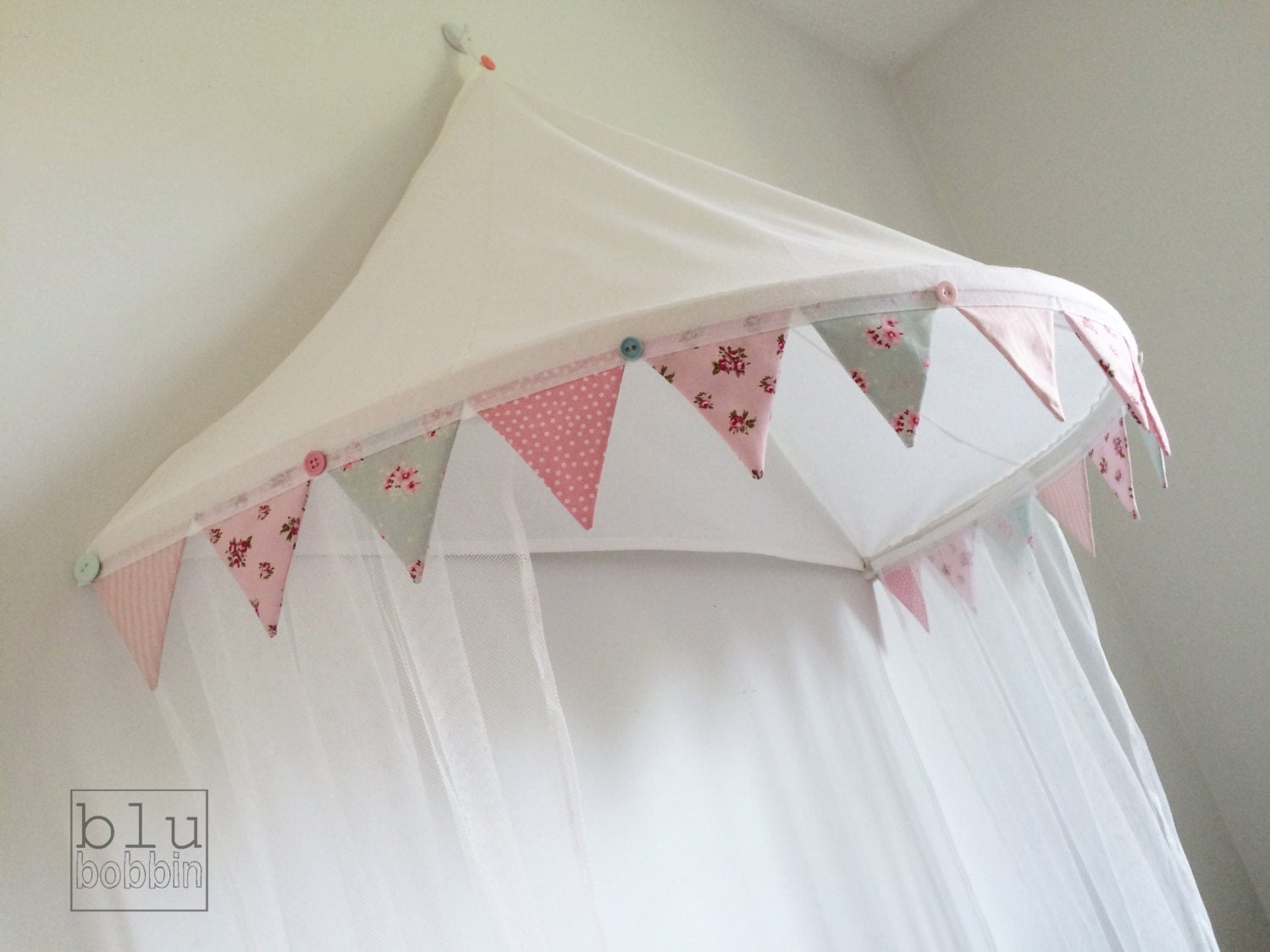Single bed canopy net curtains and bunting trim bed by for Single bed tent canopy