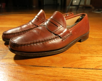 Allen Edmonds Men's 9 D Hanover Penny Loafers Made in USA Light Red Brown Leather Sole Moc Toe Goodyear Welt Rubber Heel