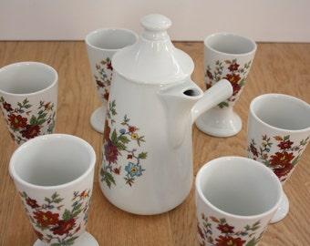 Porcelain set of 6 mazagrans and jug