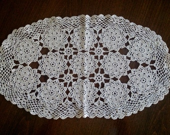 Vintage Crocheted Oval Doily in Ecru Natural Cotton Colour RBT0161