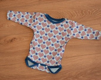 organic cotton jersey bodysuit with printed hearts