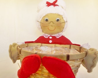 Mrs Claus Treat Basket - #7