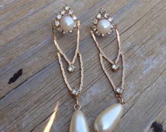 Vintage rhinestone and pearl elegant earrings