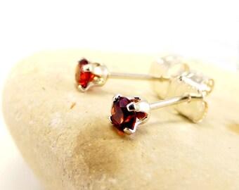Red garnet earring, round earrings garnet, sterling silver stud earrings 3 mm