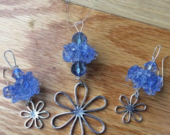 Blue Ice Chaos lamp work beads
