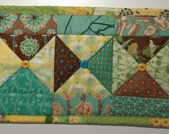 Botanical Bow Yellow/Teal/Brown Table Topper