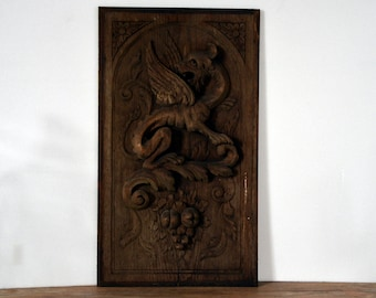 wooden panel, winged lion roaring, 1950, emblem, mythology