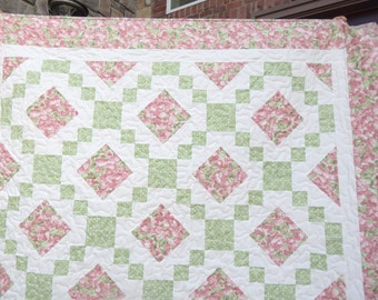 Modern Quilt, Lap Quilt, Pink Quilt, Floral Quilt, Pink and Mint Green Quilt, Spring Quilt, Country Quilt, Blanket Ready to Ship