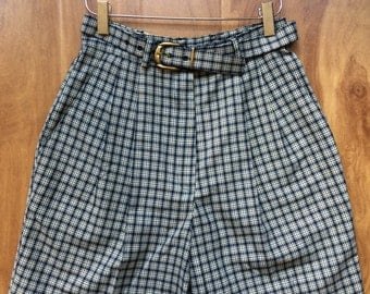 High Waisted Checkered Shorts!