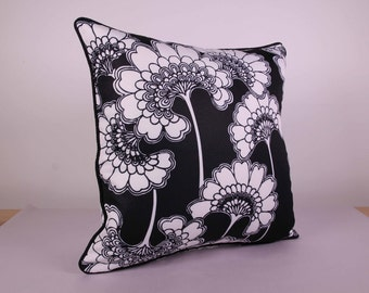 Outdoor Cushion Cover - Black and White Poppy (45cm x 45cm)