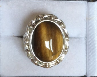 Vintage silver ring with Tigers Eye