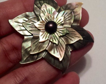Vintage Costume Jewelry Mother of Pearl Flower Brooch