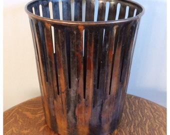 M6863 Vintage Waste Basket