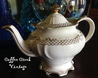 English Teapot-Vintage-Sadler-Cream and Gold