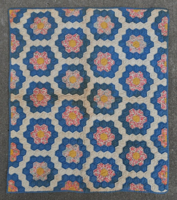 """American Vintage Baby Quilt - 31"""" x 36"""" - 79 x 92 cm. - Free shipping!"""